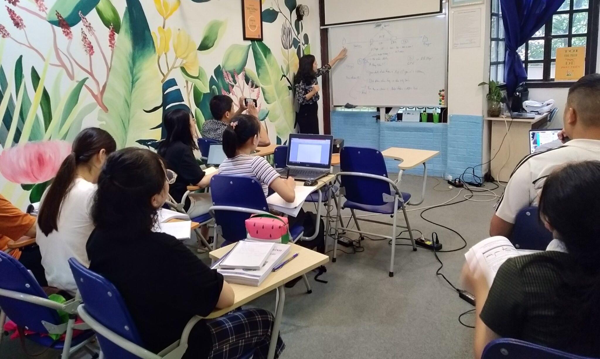Khóa học hành chính nhân sự ở trung tâm VinaTrain